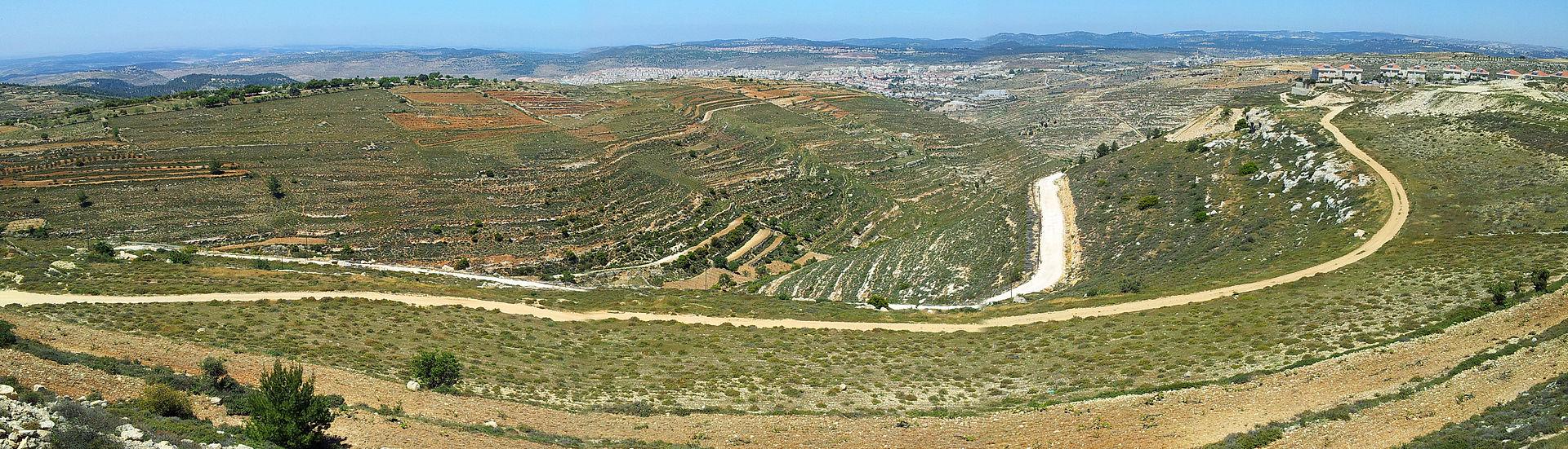 NeveDaniel panorama (13056269243).jpg