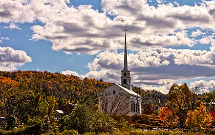 Fall foliage in the town of Stowe, Vermont NewEngland Fall.jpg