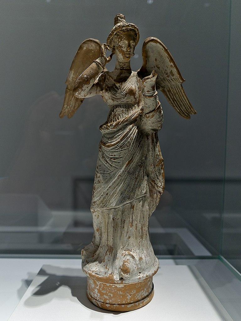 File:Niké, diosa de la Victoria (British Museum).jpg