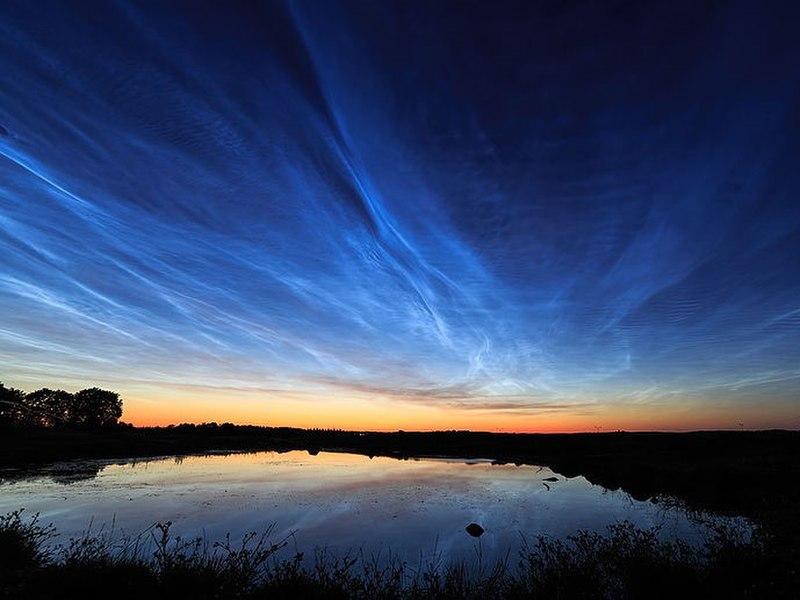 File:Noctilucent clouds over Uppsala, Sweden.jpg
