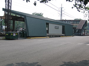 Noroton Heights (Metro-North station) - Image: Noroton Heights R Rsta 07192007