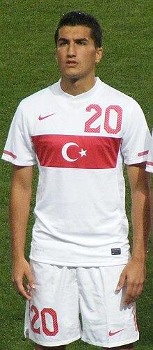 Nuri Şahin in the Turkish national team strip at Fenerbahçe Şükrü Saracoğlu Stadium, Istanbul, Turkey - 20100811.jpg