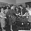 Opening bazar door mevrouw E van Hall-Nijholt ten behoeve van de kankerbestrijd, Bestanddeelnr 912-3096.jpg