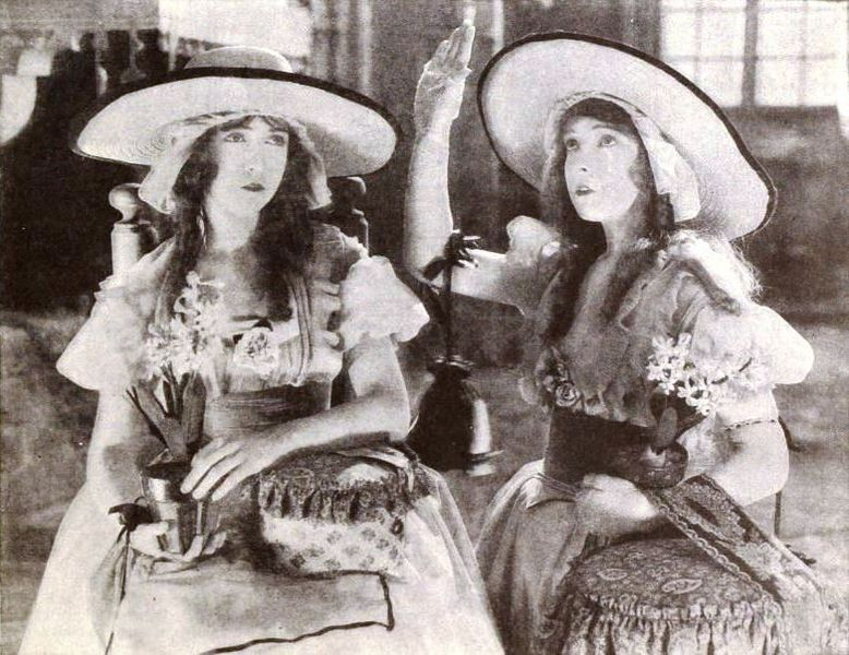 File:Orphans of the Storm (1921) - Lillian & Dorothy Gish.jpg