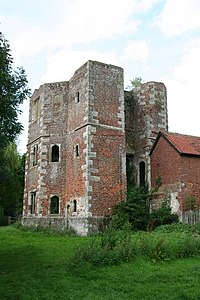 Otford Palace Gatehouse.jpg
