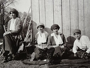 Execution of the Romanov family - From left to right: Grand Duchesses Maria, Olga, Anastasia and Tatiana Nikolaevna of Russia in captivity at Tsarskoe Selo in the spring of 1917. One of the last known photographs of Tsar Nicholas II's daughters.