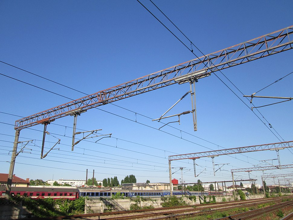 Overhead catenary bridge