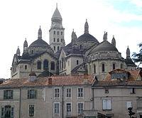 Périgueux (Fr), cathédrale St.Front, extérieur.jpg