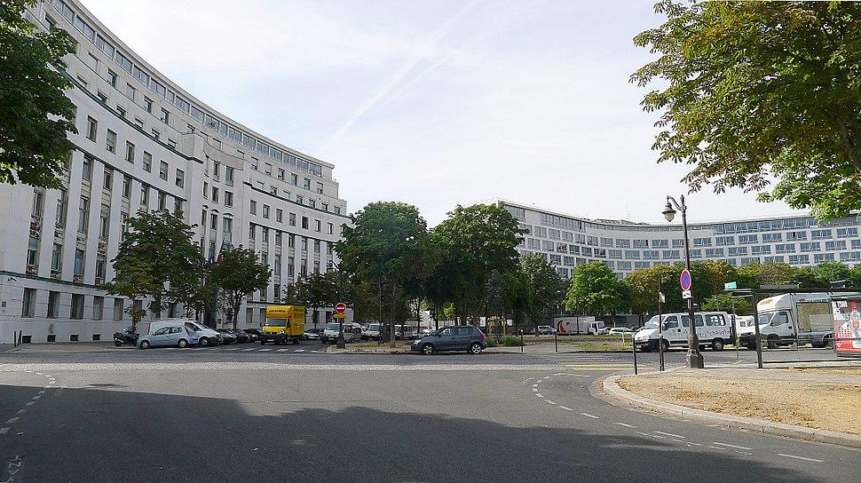 P1120654 Paris VII place de Fontenoy rwk
