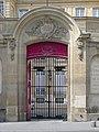 P1200667 Paris Ier hotel Bullion rwk.jpg