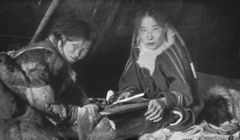 P150a Women of the Yenisei Samoyedes at work in the tent.jpg