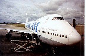 Pan Am Boeing 747-121 Clipper Spark of the Ocean.jpg
