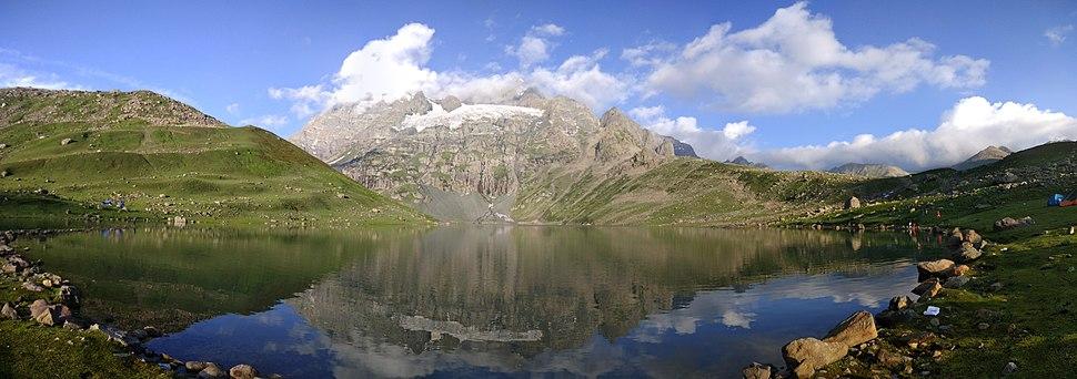 Panorama Nundkol Lake