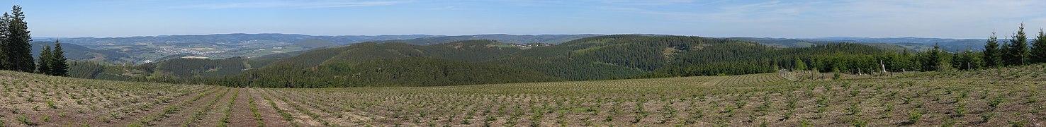 Panorama vom Härdler nach Osten.jpg