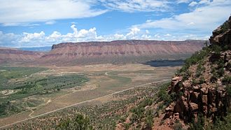 Paradox Valley - Image: Paradox Valley and Dolores River