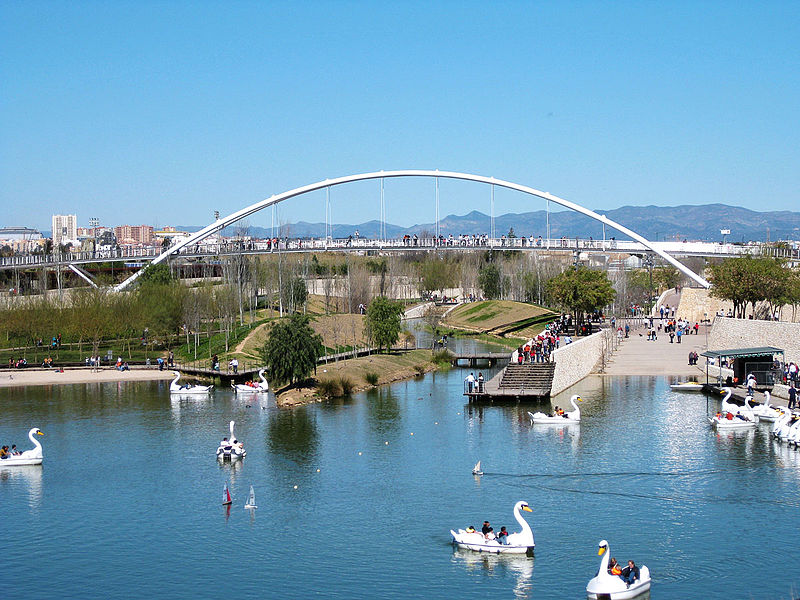 File:Parc de la Capçalera 1 (València).jpg
