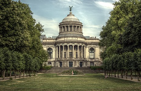 Park of the Cinquantenaire - Royal Museums of Art and History, Brussels, 2010 (HDR 1).jpg