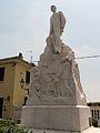 Pecetto di Valenza-monumento a Giuseppe Borsalino1.jpg