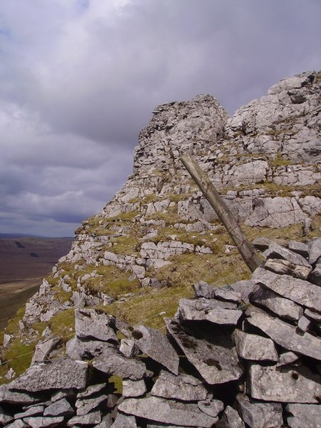 File:Pen-y-ghent Side - geograph.org.uk - 763940.jpg