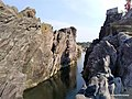 Pench River flows between these two Rocks - panoramio.jpg