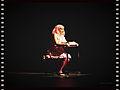 Penelope escrevendo numa Olivetti.jpg