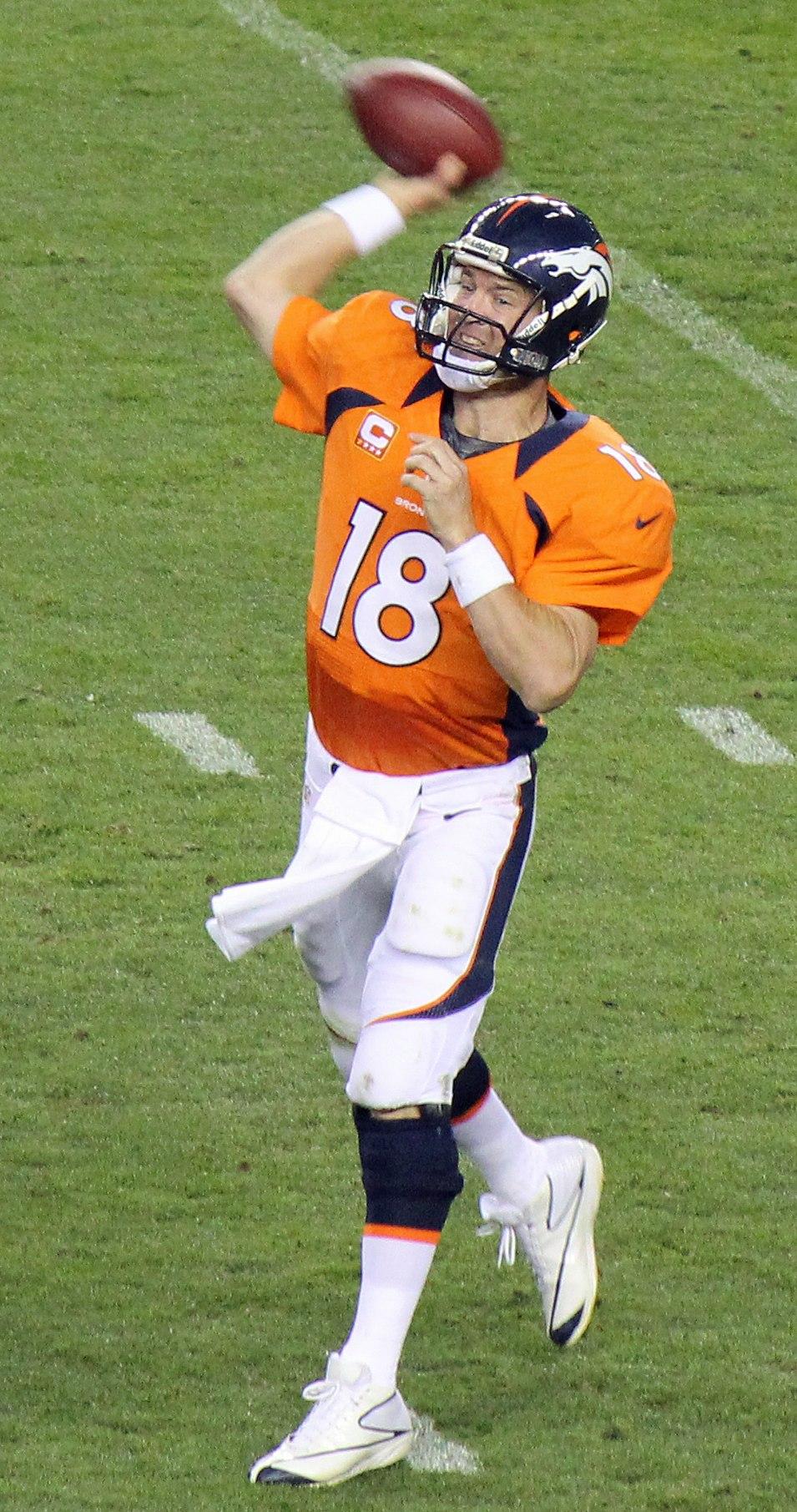 Peyton Manning throwing