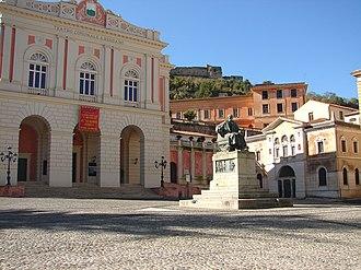Bernardino Telesio - Statue of Bernardino Telesio in the Piazza XV marzo, Cosenza
