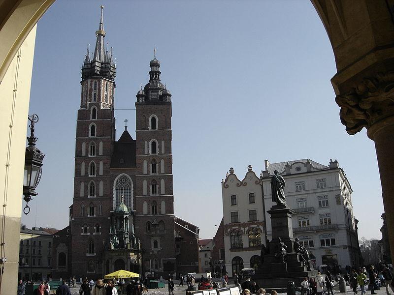 File:Piazza del Mercato di Cracovia.JPG