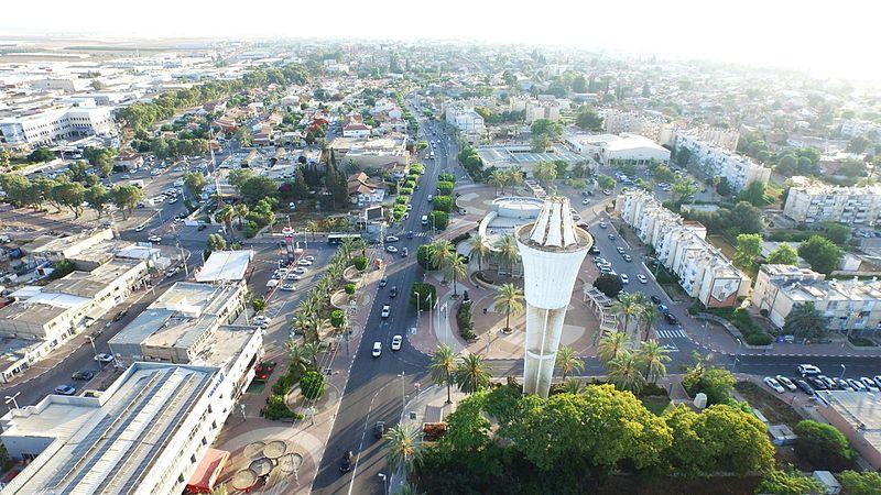 צילום אווירי של  מגדל מים