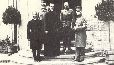 Eugenio Pacelli at the Imperial Headquarters with the peace proposal of Benedict XV to Emperor William II PioXIIgernamia1917.jpg