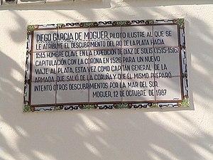 Diego García de Moguer - Plaque honoring García