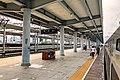 Platforms 2-3 of Hezhou Railway Station (20190420085928).jpg
