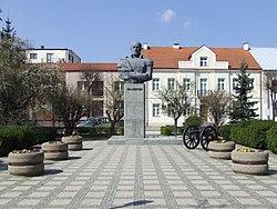 Pomnik gen. Józefa Bema w Ostrołęce.JPG