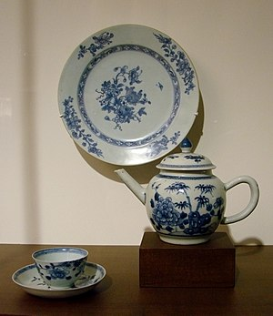 Chinese export porcelain - 18th-century Chinese export porcleain, Guimet Museum, Paris.
