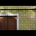 Pormenor de fachada revestida a azulejos em Guimarães.jpg