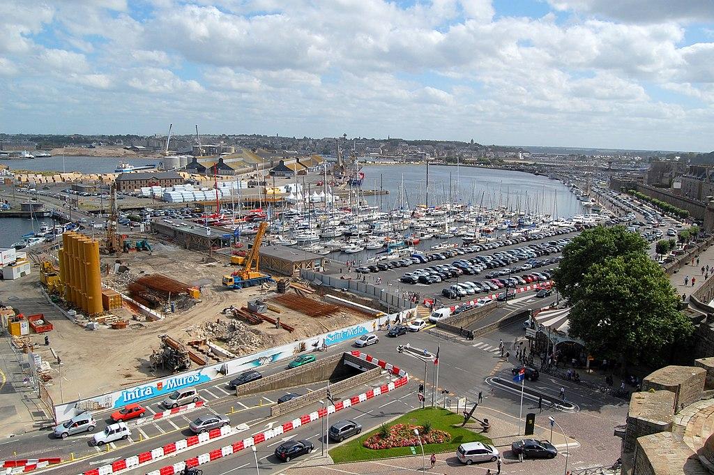 File port de saint malo dsc wikimedia commons for B b saint malo