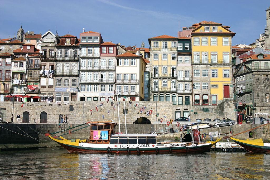 Maisons colorées du quartier de la Ribeira à Porto - Photo de António M.L. Cabral