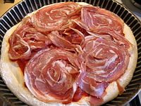 Preparation pizza pancetta 2.JPG