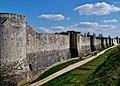 Provins Stadtmauer 10.jpg