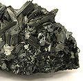 Pyrolusite-pyrol-2-04b.jpg