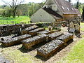 Queyssac cimetière tombes (3).JPG