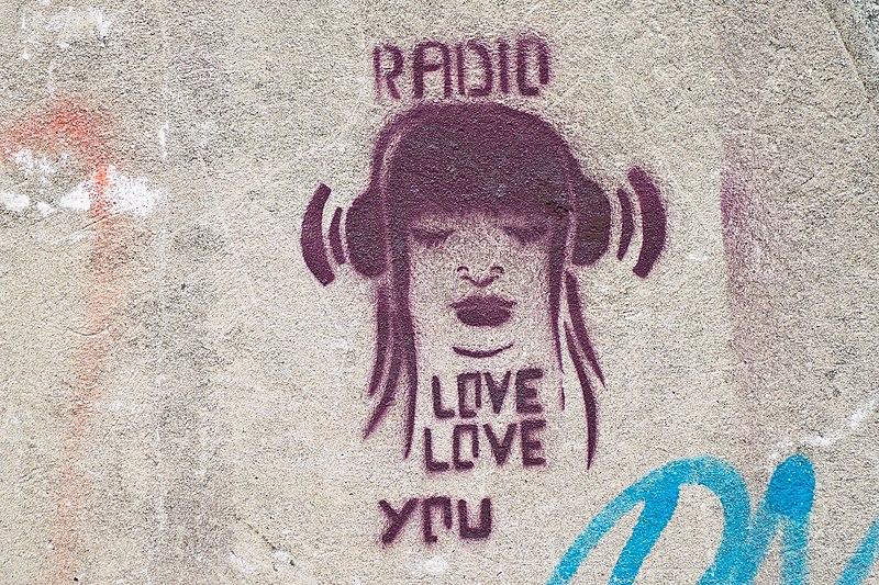 File:Radio love (6405245865).jpg