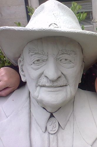 René Lavand - Bust of René Lavand in a Tandil, Argentina city park
