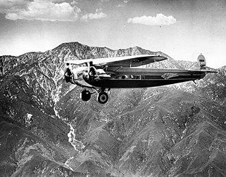 Fokker F.10 - Image: Richfield Oil Fokker F.10 flying