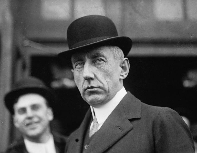 File:Roald Amundsen LOC 07622u.jpg