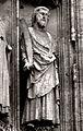 Rouen cathédrale (statue homme avec scie) 1a.jpg