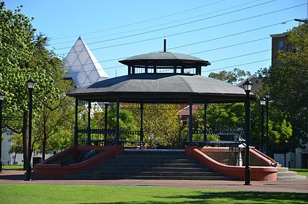 "Russell Square, Northbridge - the favoured meeting place of the Italian community of ""Little Italy"" Russell Square Perth 9261.jpg"