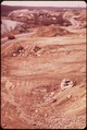 SAND AND GRAVEL OPERATION IN CUMBERLAND - NARA - 547591.tif