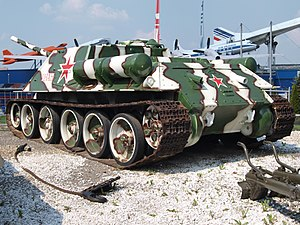 SU-100 at Sinsheim photo-1.JPG