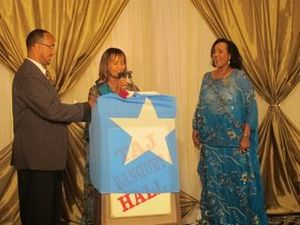 Hodan Nalayeh - Hodan Nalayeh and Hassan Abdillahi of Ogaal Radio honoring Somali artist Saado Ali Warsame at an SRAP event in Toronto (2011).